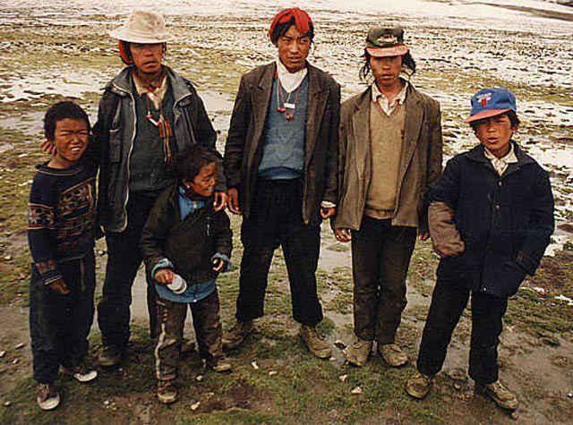 Zdjęcia: Przełęcz Gyatso (5220m.n.p.m.), szukali ...grzybków na takiej wysokości!, TYBET