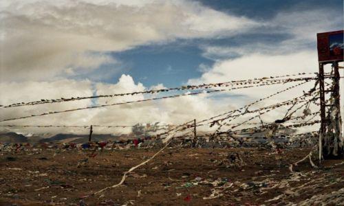 Zdjęcie TYBET / - / gdzieś w Tybecie / Tybet, którego już nie ma. A już rok później ruszył pociąg do Lhasy ...