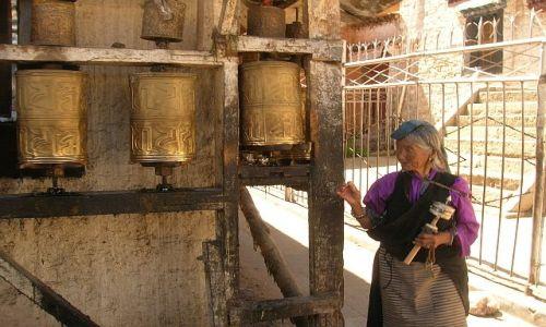 Zdjecie TYBET / brak / Lhasa / Kobieta w obiektywie podróżnika KONKURS