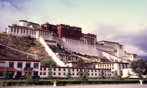 Zdjecie TYBET / Tybeta�ski Region Autonomiczny / Lhasa / Pa�ac Dalajlamy