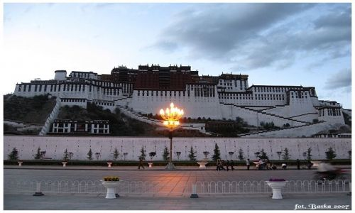 Zdjecie TYBET / Tybet / Lhasa  / Wieczorna Potala