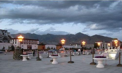 Zdjecie TYBET / Tybet / Lhasa  / Światełka...