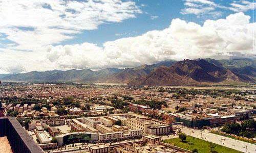 TYBET / Tybet Południowy / Lhasa / Widok na Lhasę