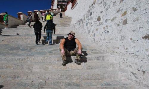 Zdjecie TYBET / - / Lhasa / Pałac Potala - niekończace się schody