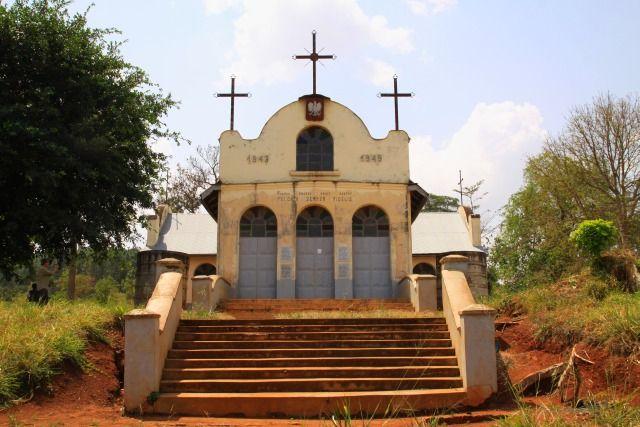 Zdj�cia: Masindi - Nyabeya, Budongo, Polski ko�ci� na wzg�rzu Wandy, UGANDA