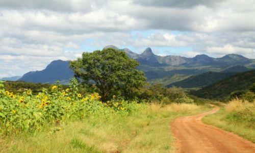 Zdjecie UGANDA / Karamoja / Karamoja / Nangeya Mountains