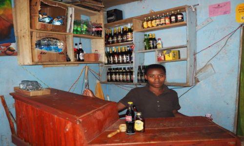 Zdjecie UGANDA / - / Kabale / miejscowy bar