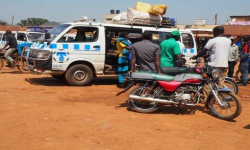 Zdjecie UGANDA / Hoima / Hoima / matatu