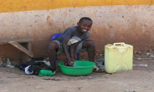 Zdjęcie UGANDA / brak / Kampala / pranie