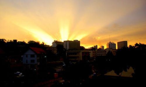 Zdjecie UGANDA / Kampala / Hotel 4 pietro / Prawdziwy wschód