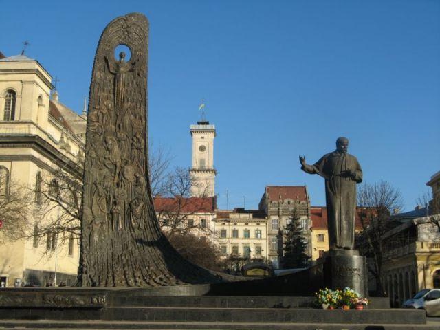 Zdjęcia: Lwów, pomnik Szewczenka, UKRAINA