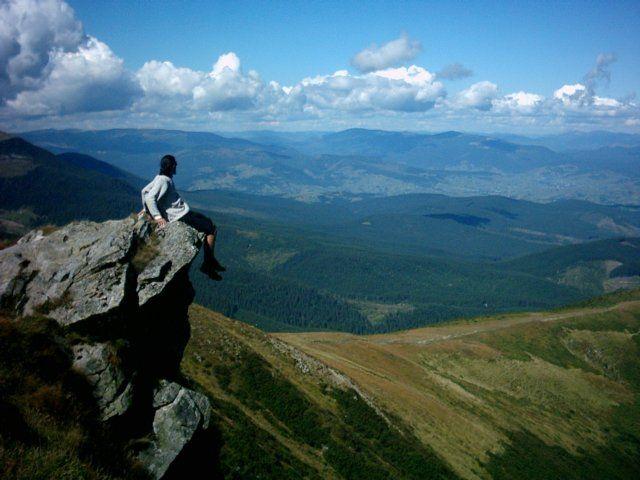 Zdjęcia: Howerla, Karpaty Ukraińskie, Myśli nad wiszącą skałą, UKRAINA