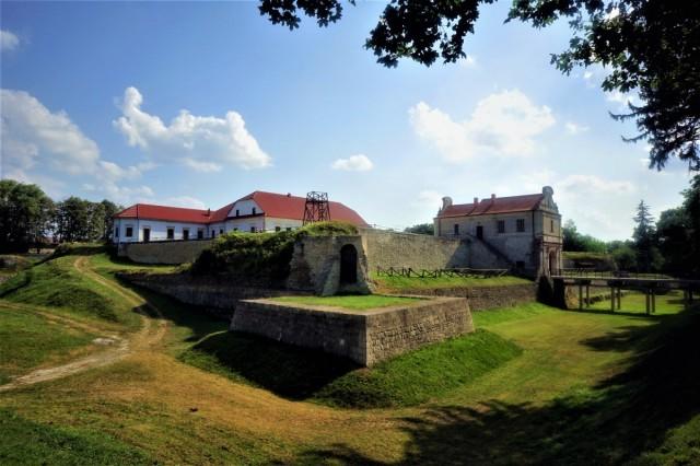Zdjęcia: Zbaraż, Obwód Tarnopolski, Zamek, budowę ukończono w w 1626 roku, UKRAINA