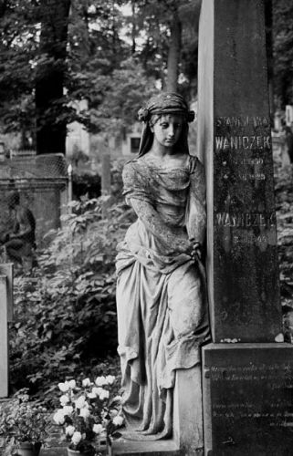 Zdj�cia: Lw�w, Cmentarz �yczakowski, Ukraina Zachodnia, na cmentarzu..., UKRAINA
