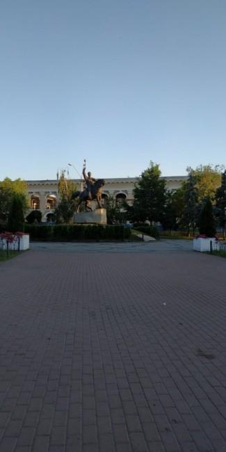 Zdjęcia: Plac Kontraktowy, Kijów, Pomnik Sagajdacznego, UKRAINA