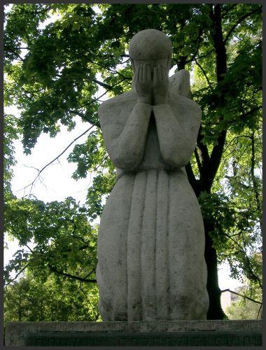 Zdjęcia: Lwów - Cmentarz Łyczakowski, K r e s y, Płaczący anioł, UKRAINA