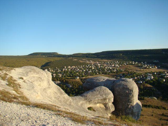 Zdj�cia: Bakczysaraj, Krym, Widok na Starosiele ze ska�ek, UKRAINA
