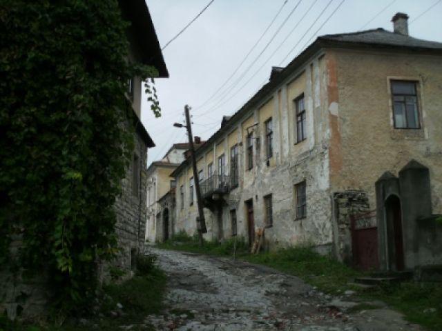 Zdj�cia: Stare miasto w Kamie�cu Podolskim, Kamieniec Podolski, stare ale urocze budynki, UKRAINA