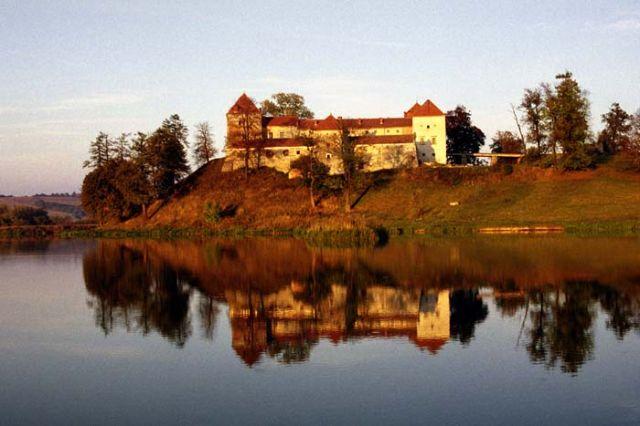 Znalezione obrazy dla zapytania Świrz zamek
