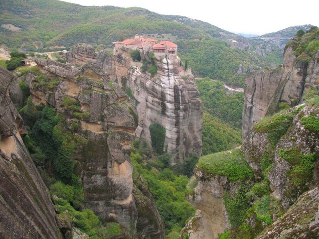 Zdjęcie GRECJA > Tesalia > okolica miasta Kalampaka > Meteory - monastyry na skałach