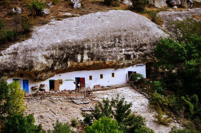 Zdjęcia: ok.Bakszysaraj, Krym, Domek w skale, UKRAINA