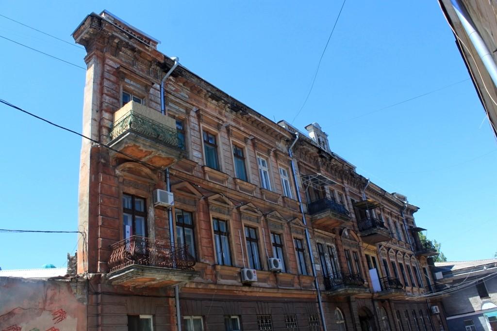 Nowoczesna architektura Zdjęcia: Odessa, Obwód odeski, Dom-ściana, UKRAINA QN35