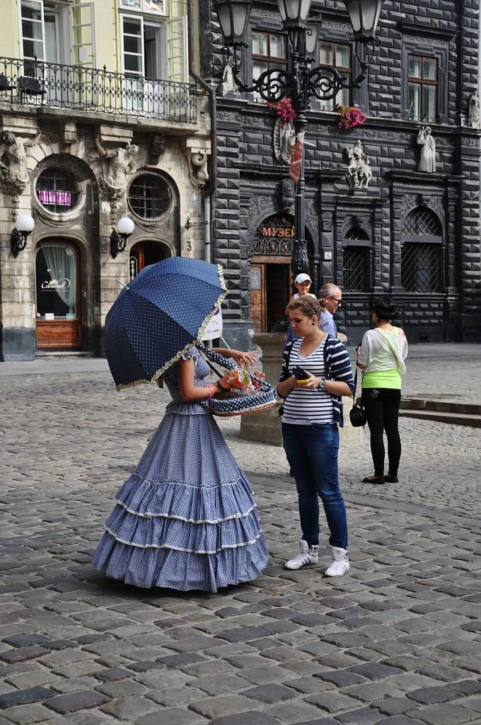 Zdjęcia: Lwów, Lwów, Kwiaciarka, UKRAINA