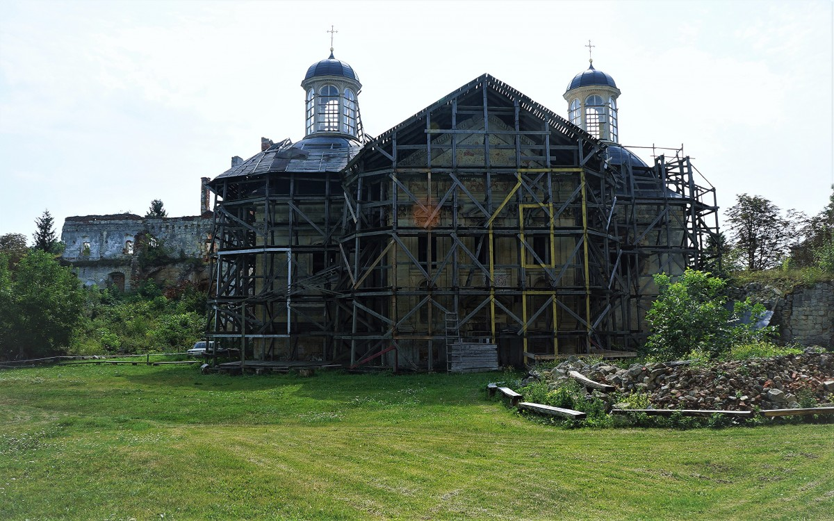 Zdjęcia: Zamek w Brzeżanach, Obwód Tarnopolski, Cerkiew w remoncie, UKRAINA