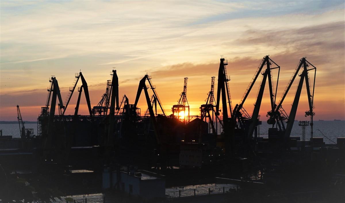 Zdjęcia: ., Odessa, Port się budzi, UKRAINA