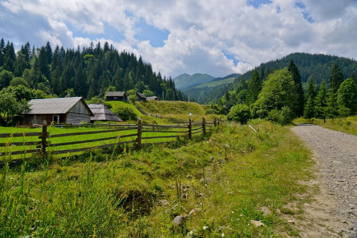 Zdjęcia: rejon wierchowiński, obwód iwanofrankiwski, Dzembronia, UKRAINA