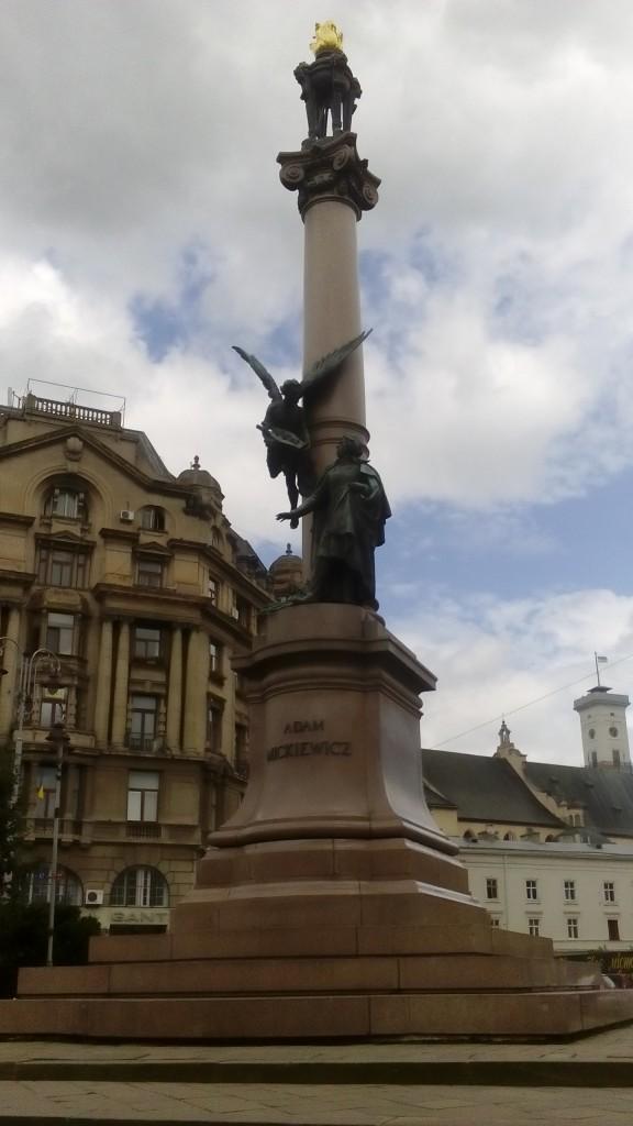 Zdjęcia: Lwów, Lwów - pomnik Adama Mickiewicza, UKRAINA