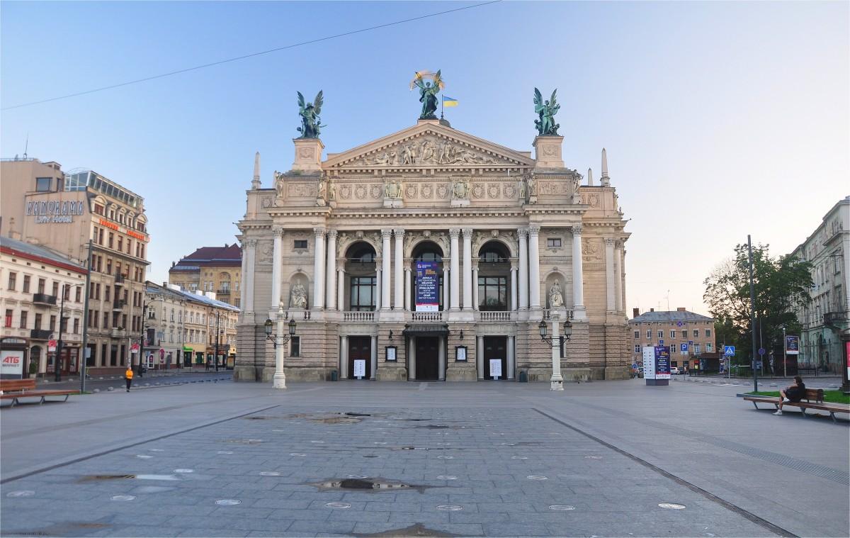 Zdjęcia: Lwów, Obwód lwowski, Opera Lwowska o poranku, UKRAINA