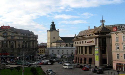 UKRAINA / Lwowski / Lwów / widok z okna w  hotelu George
