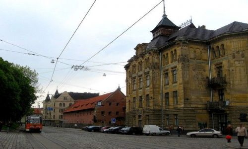 Zdjęcie UKRAINA / Lwowski / Lwów /  galicyjskie kamienice Lwowa pilnie wymagają renowacji