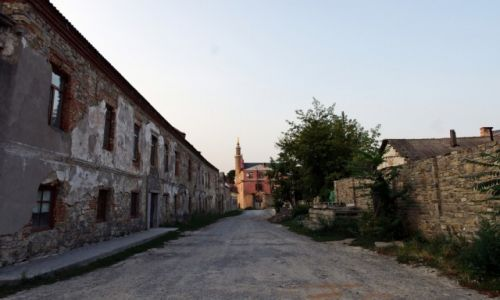 Zdjecie UKRAINA / Podole / Kamieniec Podolski / W kolejce do renowacji