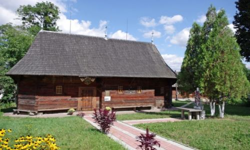 UKRAINA / Bukowina / Czerniowce / Najstarsza cerkiew w mieście