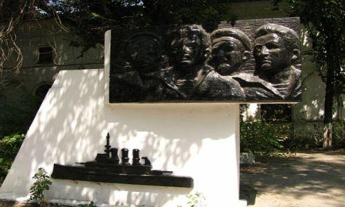 Zdjecie UKRAINA / Krym / Teodozja / pomnik marynarzy Potiomkina