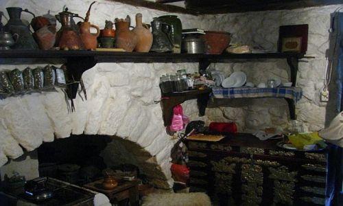 UKRAINA / Krym / Bakczyseraj / tatarska chata