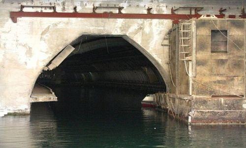 UKRAINA / Krym / Bałakława / Baza radzieckich łodzi podwodnych