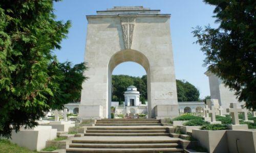 Zdjęcie UKRAINA / Lwów / Cmentarz Łyczakowski / Cmentarz Orląt Lwowskich