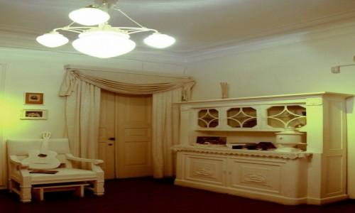 UKRAINA / Kijów / Andriejewskij Spusk (Zjazd) / Muzeum Michaiła Bułhakowa, jadalnia