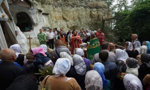 Zdjecie UKRAINA / Kamieniec Podolski / Bakota, Monaster św. Michała Archanioła / Nabożeństwo