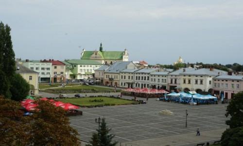 Zdjęcie UKRAINA / Obwód Lwowski / Żółkiew / Kamienice w rynku