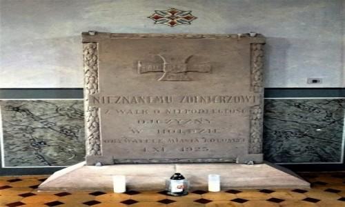 Zdjecie UKRAINA / Kołomyja  / Kościół pw. św. Ignacego Loyoli / W hołdzie walczącym o niepodległość Ojczyzny