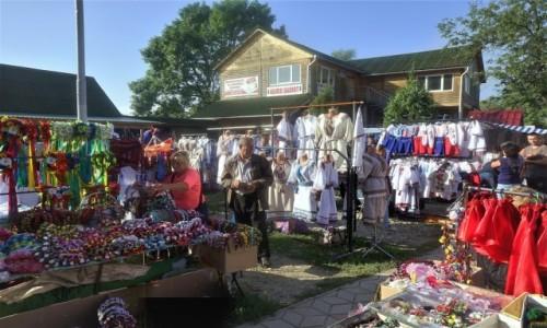 UKRAINA / Obwód Iwanofrankiwski / Kołomyja  / Na bazarze