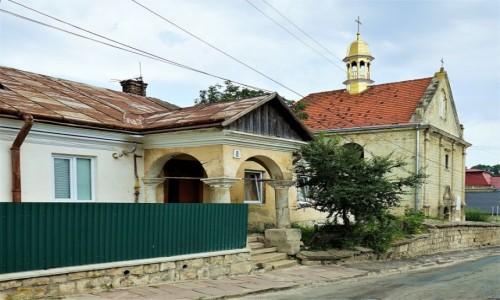 Zdjęcie UKRAINA / Obwód Tarnopolski / Brzeżany / Dom pod 8