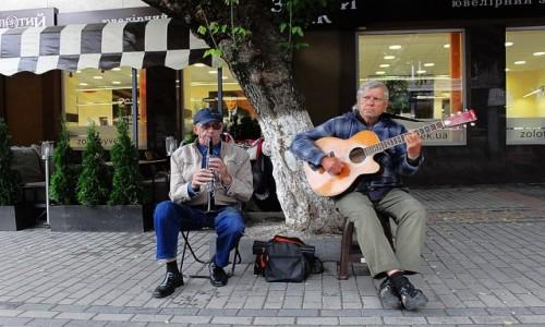 UKRAINA / Wołyń / Łuck / Ulice pełne muzyki...