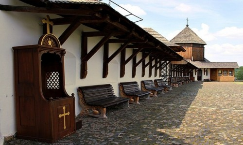 UKRAINA / rejon halicki / Szewczenkowe / Klasztor