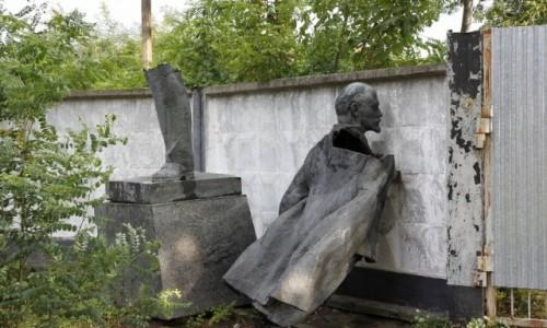 Zdjęcie UKRAINA / Obwód sumski / Konotop / Lenin na śmietniku (historii)
