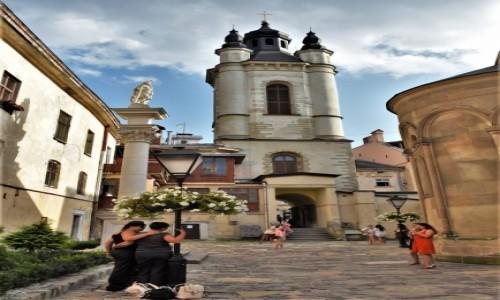 Zdjęcie UKRAINA / Obwód lwowski / Lwów / Katedra ormiańska we Lwowie - otoczenie